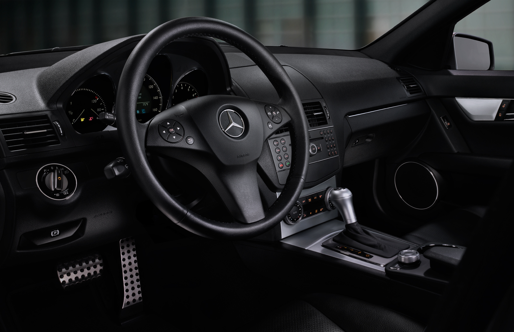 Mercedes_Interior_two_PA.jpg