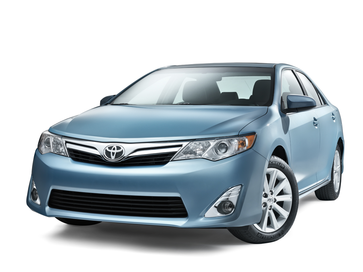 Toyota_Camry_Front_34.jpg